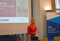 Maria Reinisch spricht auf der Erdgas Tagung der VDW IASS und ASPO 2017.