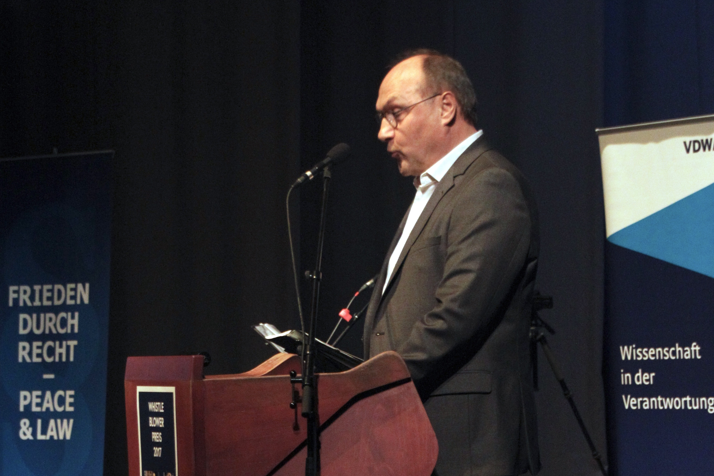 (2) Verleihung des Whistleblower Preises 2017