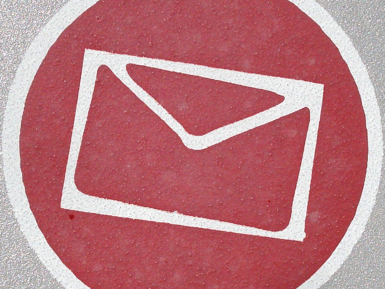 Brief (rot, weiß)