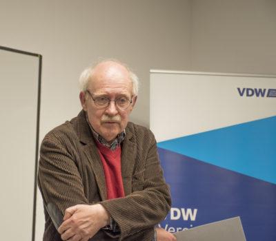 Peter Finke stellt sein Buch vor: Lob der Laien