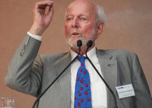 Prof. Ernst Ulrich von Weizsaecker betont die Dringlichkeit einer neuen Aufklaerung. VDW Symposium Wir sind dran 2019