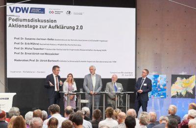 Prof. Dr. Micha Teuscher, Praesident der HAW Hamburg, erläutert seine Sicht auf die Rolle von Hochschulen für eine Aufklaerung 2.0.