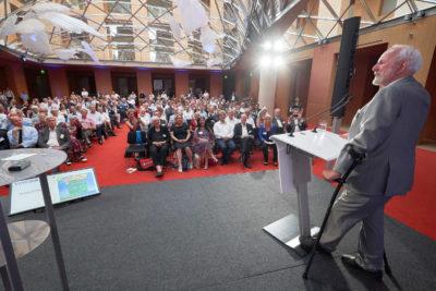 Ernst Ulrich von Weizsaecker spricht auf dem VDW Symposium Wir sind dran 2019